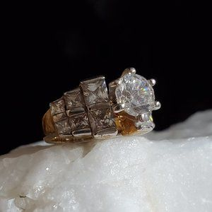 Vintage Gold-plated Ring Diamond-cut Crystals AAA